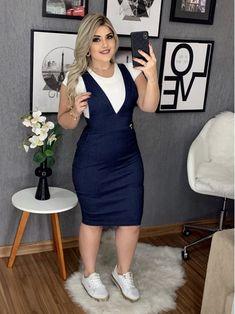 Floratta Modas - Moda Evangélica - A Loja da Mulher Virtuosa Curvy Girl Outfits, Chic Outfits, Plus Size Outfits, Demin Dress, Casual Dresses, Fashion Dresses, Modern Hijab Fashion, Smart Casual Outfit, African Dress