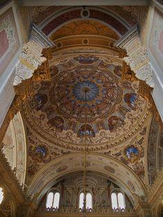 Ceiling, Dolmabahçe Palace by Justin Jackson, via Flickr