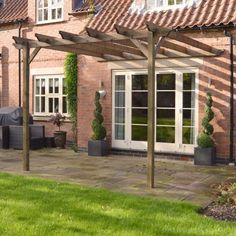 Our lean to Pergola gives a classic, refined look to any garden.  As well as looking the part, each pergola is constructed from substantial 6