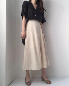 Long Skirt Fashion, 60 Fashion, Minimal Fashion, Modest Fashion, Korean Fashion, Fashion Dresses, Womens Fashion, Fashion Design, A Line Skirt Outfits