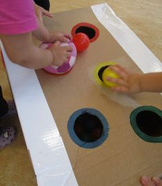 Fascination Ball Balls are one of the most popular play equipment in the crib and . - Fascination Ball Balls are one of the most popular play equipment in the crib and support child dev - Montessori Education, Montessori Materials, Infant Activities, Preschool Activities, Fun Summer Activities, Baby Painting, Diy Crafts To Do, Play Equipment, Baby Development
