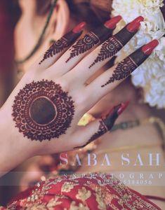 Simple Mehndi Designs Fingers, Henna Tattoo Designs Simple, Finger Henna Designs, Stylish Mehndi Designs, Full Hand Mehndi Designs, Henna Art Designs, Mehndi Designs For Girls, Mehndi Designs For Beginners, Mehndi Design Photos