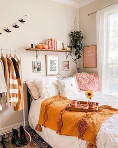 Bohemian Style Ideas For Bedroom Decor Design corner bedroom 40 Awesome Fall Master Bedroom Ideas - HOOMDSGN Room Ideas Bedroom, Home Bedroom, Bedrooms, Bedroom Inspo, Master Bedroom, Warm Bedroom, Bedroom Corner, Apartment Bedroom Decor, Apartment Living