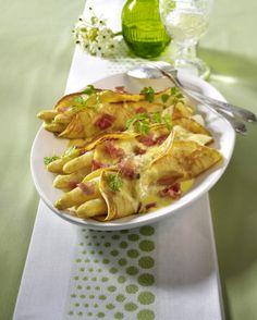 Unser beliebtes Rezept für Crêpes mit Spargel und Schinken und mehr als 55.000 weitere kostenlose Rezepte auf LECKER.de.