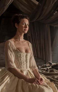 Caitriona Balfe as Claire Fraser in Outlander (TV Series, Outlander Tv Series, Claire Outlander, Diana Gabaldon Outlander Series, Outlander Season 1, Outlander Casting, Outlander Knitting, Starz Outlander, Outlander Funny, Outlander Gifts