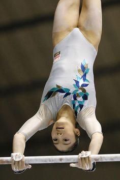 【内山由綺】〜全日本体操種目別選手権2016 Gymnastics Pictures, Sports Pictures, Dance Stretches, Sports Uniforms, Artistic Gymnastics, Female Gymnast, Sports Stars, Sport Motivation, Gymnastics Leotards