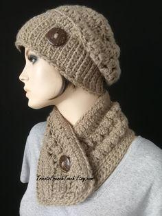 Bonnet et col en laine beige fait main au crochet Ensemble bonnet écharpe  femme laine 8cb105b139c