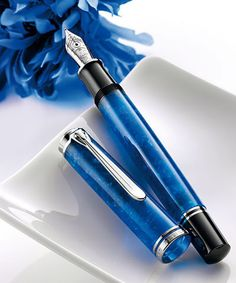 Pelikan Souveran M805 Vibrant Blue Fountain Pen