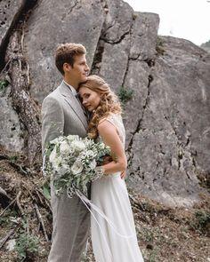 ⛰ Mountain Love ⛰ . . . . . . . Werbung/Profilverlinkung . . . . . #weddingfilm #churchwedding #weddingfilmmaker #videographer #weddinglife #lookslikefilm #weddingvideographer #thedailywedding #brautpaar #hochzeitsvideo #hochzeitsvideograf #wildelopment #ibizawedding #mallorcawedding #freespirit #glambride #adentorouswedding #destinationwedding #magnoliarouge #hippiebride #gypsy #mountainwedding #nomadic #bohowedding Hippie Bride, Boho Bride, Ibiza Wedding, Italy Wedding, Muse By Berta, Wedding Film, Church Wedding, Destination Wedding Photographer, Wedding Styles