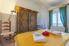 Holiday rental villas Cote d& Provence Alpes Maritimes, South of France Villa With Private Pool, South Of France, Double Beds, Villas, Provence, Master Bedroom, Sea, Vacation, Bathroom