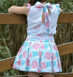 This Pin was discovered by Pir Cute Little Girl Dresses, Baby Girl Dresses, Baby Dress, Little Girl Fashion, Toddler Fashion, Kids Fashion, Baby Frocks Designs, Kids Frocks Design, Kids Dress Wear