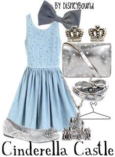 How sweet and classy os this Cinderella castle inspired Disneybound?? I love how the silver accessories pair so well with the light blue dress!! ♥
