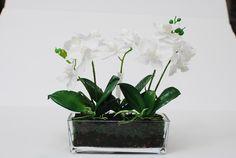 TreeLocate - white artificial flower #windowdisplay #artificialflowers