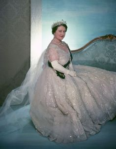 Queen Elisabeth of england aka Queen Mum by Cecil Beaton.