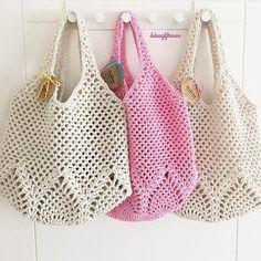 Marvelous Crochet A Shell Stitch Purse Bag Ideas. Wonderful Crochet A Shell Stitch Purse Bag Ideas. Bag Crochet, Crochet Market Bag, Crochet Shell Stitch, Crochet Handbags, Crochet Purses, Love Crochet, Filet Crochet, Crochet Crafts, Crochet Projects