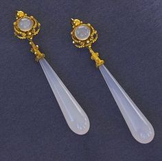 Antique Georgian Gold Chalcedony Earrings