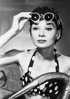 Audrey Hepburn by the pool in sunglasses, 1950 ☀️✨ ⠀⠀⠀⠀⠀⠀⠀⠀⠀.Audrey Hepburn by the pool in sunglasses, 1950 ☀️✨ ⠀⠀⠀⠀⠀⠀⠀⠀⠀ - - - Hollywood Glamour, Classic Hollywood, Old Hollywood, Hollywood Icons, Style Audrey Hepburn, Katharine Hepburn, Young Audrey Hepburn, Audrey Hepburn Fashion, Audrey Hepburn Pictures