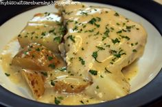 Slow Cooker Creamy Ranch Chicken and Potatoes 4-6 frozen chicken breasts 6-8 medium potatoes, chopped into large pieces 2 cans cream of chicken soup 2 packages dry Ranch dressing mix 1 cup milk