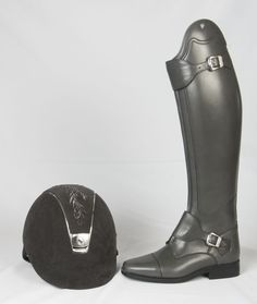 Grey Samshield Crystal flower hat to match some bespoke Grey Petrie boots? Be rude not to :-) Horse Boots, Equestrian Boots, Equestrian Outfits, Equestrian Style, Horse Tack, Equestrian Fashion, Riding Gear, Horse Riding, Riding Helmets
