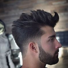 Trendfrisuren Baby trend, akkurater Mittelscheitel oder People from france Lower Cool Hairstyles For Men, Hairstyles Haircuts, Haircuts For Men, Classic Mens Hairstyles, Hair And Beard Styles, Curly Hair Styles, Low Fade Haircut, Gents Hair Style, Men Hair Color