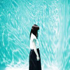 ・ dive  (金沢21世紀美術館スイミング・プール)