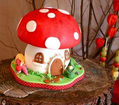 Woodland Dessert Table - fairy toadstool cake