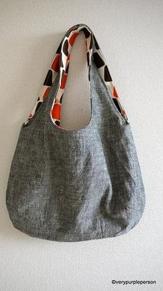 Fazer um saco reversível. Tutorial em: http://verypurpleperson.com/2010/04/making-reversible-bag/ Making reversible bag - tutorial