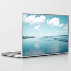 Buy Cumberland birds by #Bizzartino Laptop & iPad Skin by edualpeirano. Worldwide shipping available at Society6.com. Just one of millions of high quality products available. https://society6.com/product/cumberland-birds-by-bizzartino_laptop-skin?curator=edualpeirano