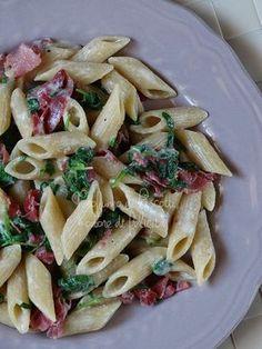 pasta rucola e bresaola Wine Recipes, Pasta Recipes, Cooking Recipes, Healthy Recipes, Italian Meats, Italian Pasta, Italian Street Food, No Calorie Foods, I Love Food