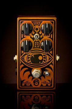 colossus fuzz FX pedal by mojo hand. http://www.guitarandmusicinstitute.com http://www.guitarandmusicinstitute.com