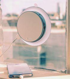 Achetez le chargeur solaire sur lavantgardiste et ne tombez plus en panne de batterie grâce aux rayons du soleil ! Terminé l'angoisse !
