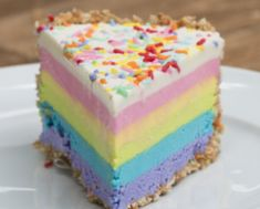 This rainbow cheesecake brings color to your life 🌈- Dieser Regenbogen-Käsekuchen bringt Farbe in dein Leben 🌈 This rainbow cheesecake brings color even into the darkest winter day - Vanilla Bean Frosting, Cake Frosting Recipe, Frosting Recipes, Vanilla Cake, Cake Recipes, Dessert Recipes, Buttercream Frosting, Italian Buttercream, Easter Recipes