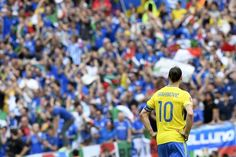 TOPSHOT - Sweden's forward Zlatan Ibrahimovic looks on after the Euro 2016 group E football match between Italy and Sweden at the Stadium Municipal in Toulouse on June 17, 2016. .Italy won the match 1-0. / AFP / JONATHAN NACKSTRAND