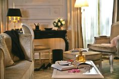 Tiara Château #Hotel Mont Royal #Chantilly   Idéal pour vos week-ends proches de Paris. Ideal for your Parisian getaways.