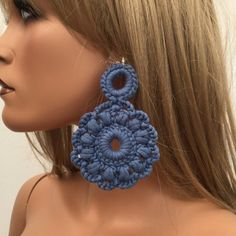 Best 12 Unique design, an amazing accessory for modern women's giving them refinement, elegance and style. They are almost weightless, suitable for Crochet Earrings Pattern, Crochet Necklace, Crochet Patterns, Tiny Stud Earrings, Tatting Lace, Earring Tutorial, Crochet Gifts, Fashion Earrings, Modern Women