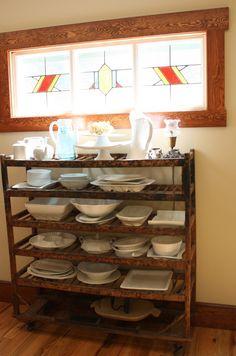 Bakers rack.