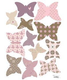 12 papillons pour créer une magnifique envolée.A combiner avec les papillons décoratifs papier pour mixer l'effet 2D/3D.N.e laissent pas de traces au mur. A appliquer sur une surface lisse et propre. Faciles à poser grâce à un transfert transparent. Fournis avec une notice de pose.  Fabriqué en France.