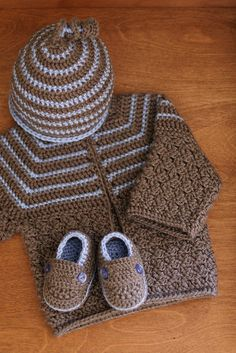 Kanoodle Baby Layette Set by Yarn Theory, via Flickr. Adorable baby boy set.