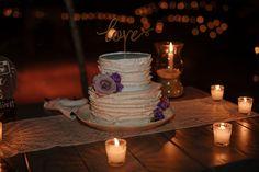 #whitecake #texturized #roses #violet Wedding Set Up, Wedding Blog, Destination Wedding, Dream Wedding, Wedding Cakes, Roses, Weddings, Table Decorations, Tableware