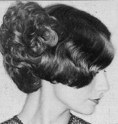 Medium Curly, Curly Short, 1960s Hair, Beehive Hair, Beautiful Haircuts, Bad Hair, Vintage Hairstyles, Curls, Curly Hair Styles
