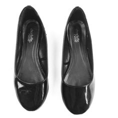 Charlotte Russe black patent ballet flats shoe 6.5 Good used condition! From my own shoe closet. I can't see a size marked on these, but I wear a 6.5, and I think these will fit a 6 wide or 6.5 regular. Check this closet for more used size 6 1/2 and size 7, and 7.5 shoes and boots. I am reselling shoes from my own closet and my mother's. If you are looking for new and designer shoes in all sizes and many styles, check my closet @ringleader. Orders from both closets can be combined in bundles…