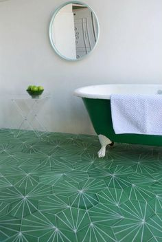 I could almost bathe in that gorgeous flooring!