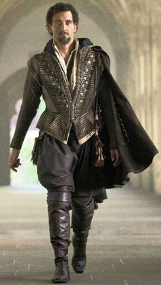 Tudor Costume/Clive Owen as Sir Walter Raleigh. Elizabeth: The Golden Age. Mode Renaissance, Costume Renaissance, Medieval Costume, Renaissance Fashion, Elizabethan Costume, Tudor Fashion, Men's Fashion, Tudor Costumes, Period Costumes