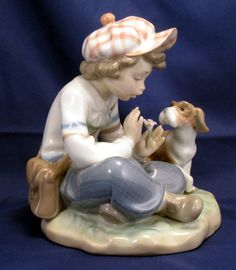 "Lladro ""I hope she does...."" Figurine - daisy petals - she loves me, she loves me not."