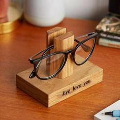 Solid Oak Personalised Glasses Stand / Gifts For Grandparents / Gift for Grandad / Eye Glasses Holder / Retirement gift / Sunglasses Stand Diy Wood Projects, Wood Crafts, Woodworking Projects, Woodworking Videos, Woodworking Plans, Small Wooden Projects, Personalised Glasses, Personalised Gifts, Kraft Gift Boxes
