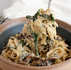 Vegan Cashew Cream Pasta Sauce. This mushroom and spinach cream fettucini will rock your world.
