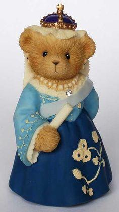 Victoria - A Royal Friendship Makes A Loyal Heart Old Teddy Bears, My Teddy Bear, Boyds Bears, Teddy Bear Images, Teddy Bear Cartoon, Tiny Teddies, Cow Decor, Precious Moments Figurines, Paddington Bear