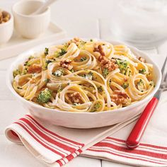 Linguine with Boursin® and broccoli Noodle Recipes, Pasta Recipes, Cooking Recipes, Vegetable Recipes, Vegetarian Recipes, Healthy Recipes, Healthy Habits, Healthy Meals, Linguine