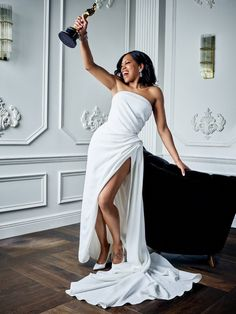 Regina King won the Oscar for Best Supporting Actress for If Beale Street Could Talk! Did you see the movie? Regina King, Nice Dresses, Formal Dresses, Wedding Dresses, Glam Dresses, Special Dresses, Bridal Gallery, Black Actresses, Hollywood Actresses