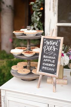How To Have A Mad Hatter Wedding Without Going Crazy! mini pies for your wedding dessert table Pie Bar Wedding, Dessert Bar Wedding, Dessert Bars, Table Wedding, Wedding Reception, Wedding Venues, Fall Wedding Menu, Rustic Wedding Desserts, Wedding Bride